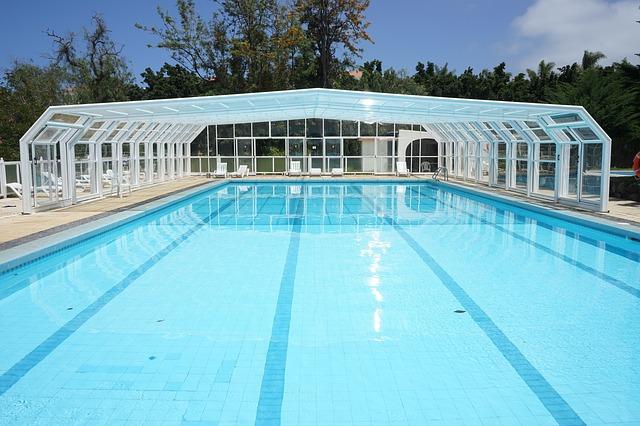 plavecký bazén se zastřešením.jpg